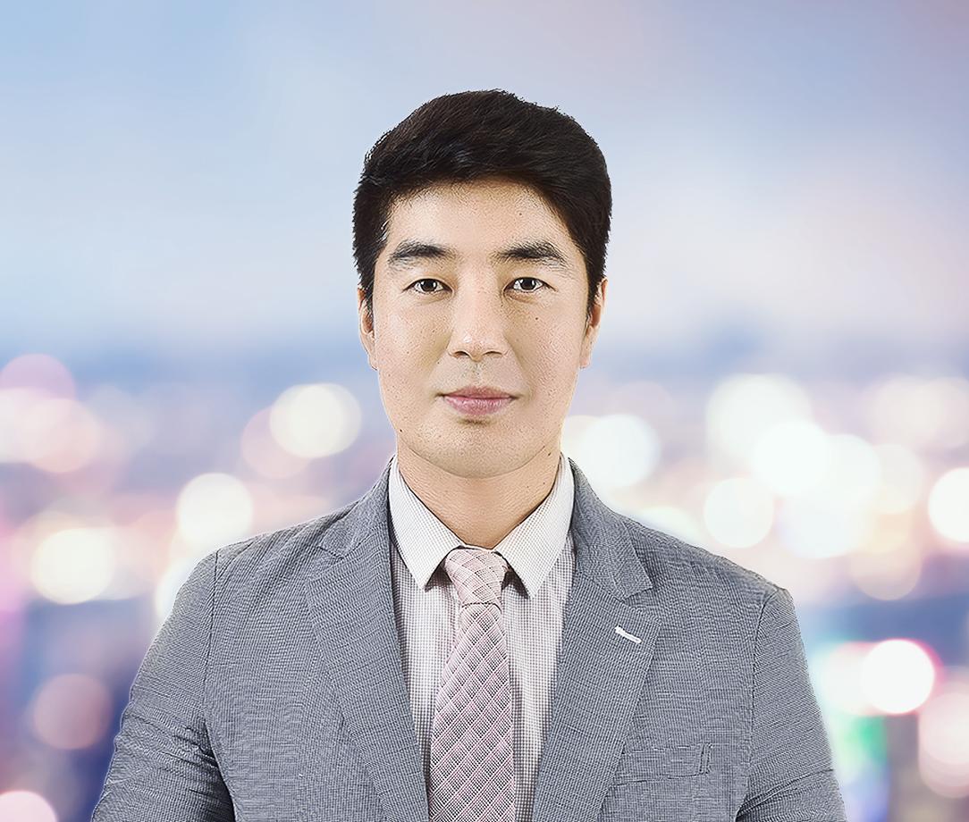Jun-Min Lee
